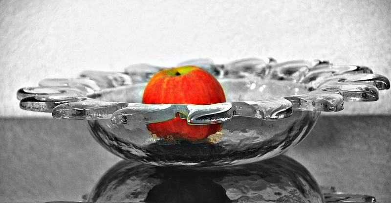Shiny glass dish