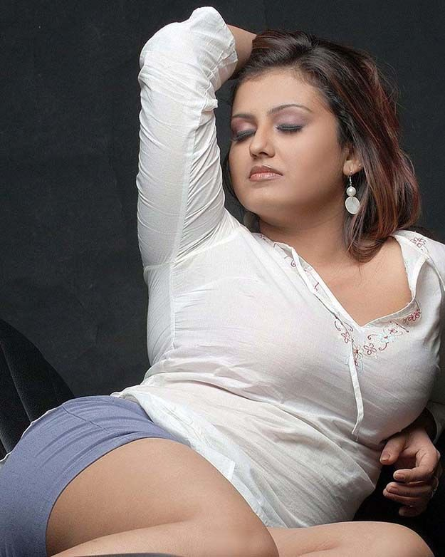 Sona tamil actress hot sorry