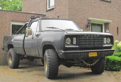 C B B on 1977 Dodge Power Wagon W200