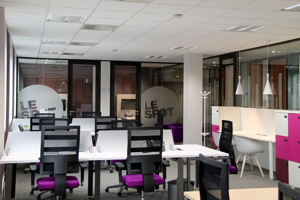 Bureaux à partager dans un centre d affaires à marseille bureaux