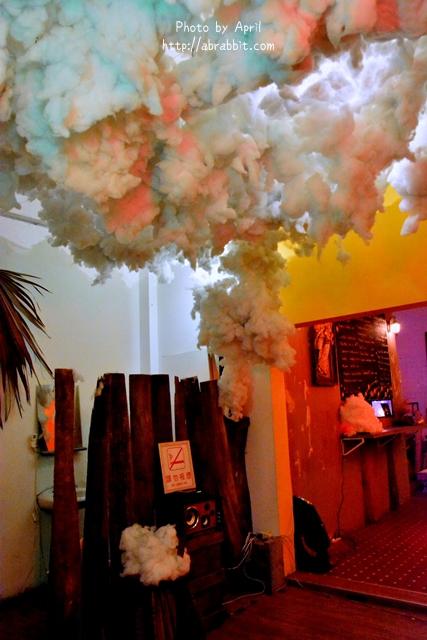 33359572005 8e3050900a o - [台中]洞穴The Cave--一個充滿藝術且自由般放氣息的神秘咖啡館兼酒吧@北區 五權路