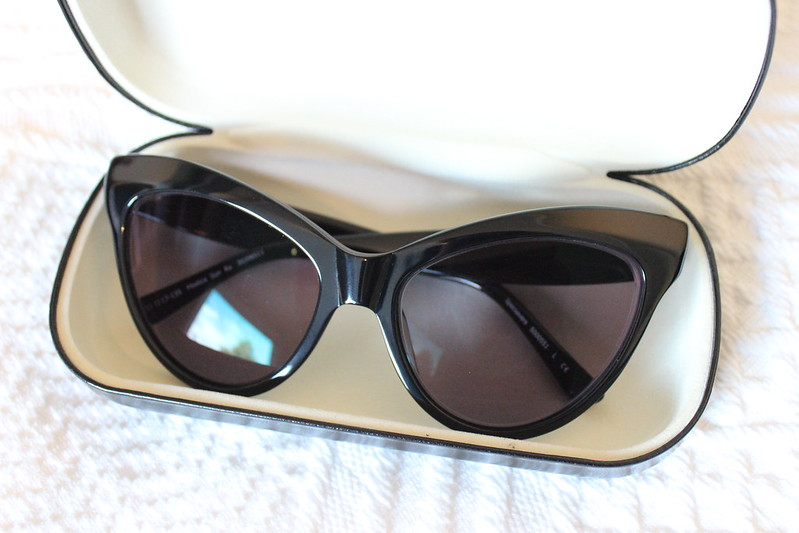 Cat eye sunglasses / etdrysskanel.com
