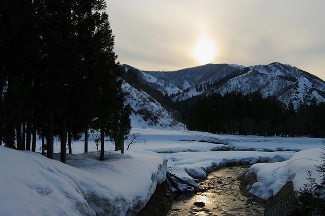 夕日が渓流を染める_201703