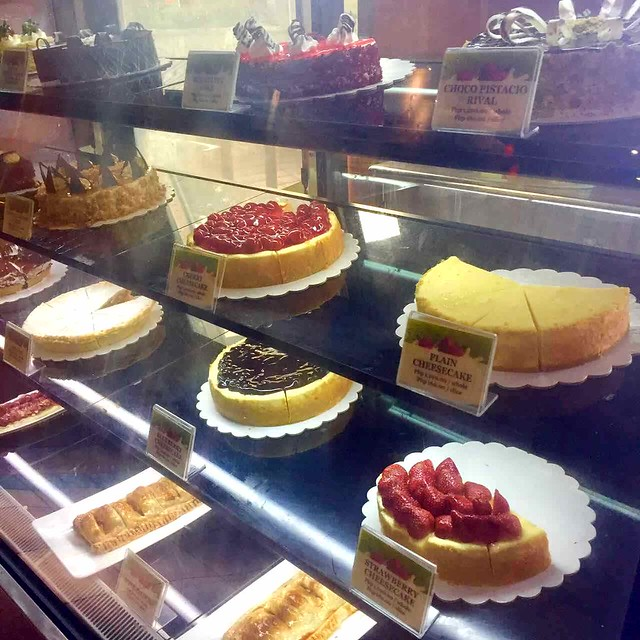 cakes at The Manor