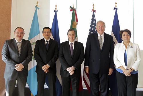 El canciller meade se re ne con sus hom logos de guatemala flickr for Relaciones exteriores honduras