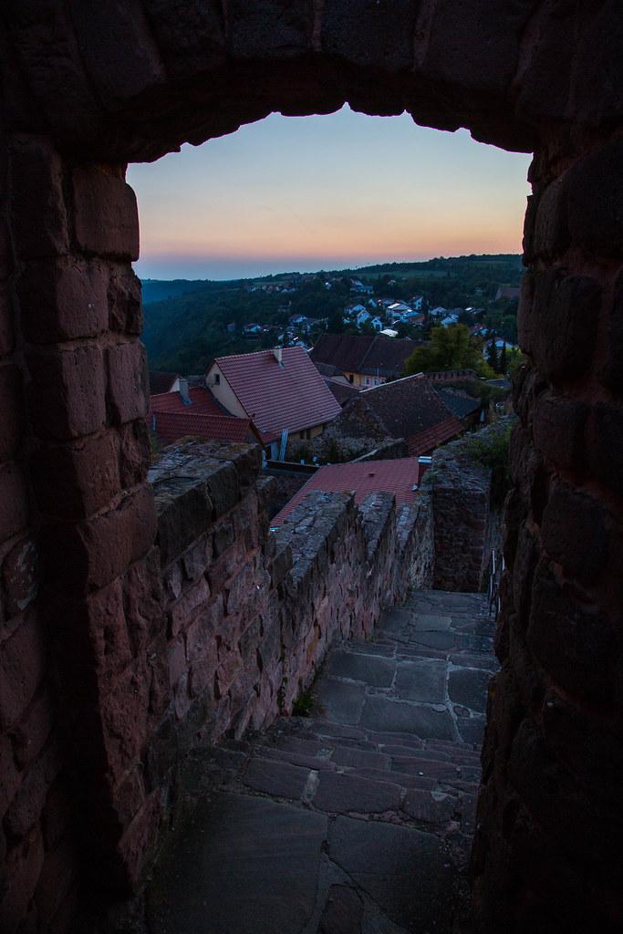 Dawn of the Moon at Burgschänke Neuleiningen | Sun sets over… | Flickr