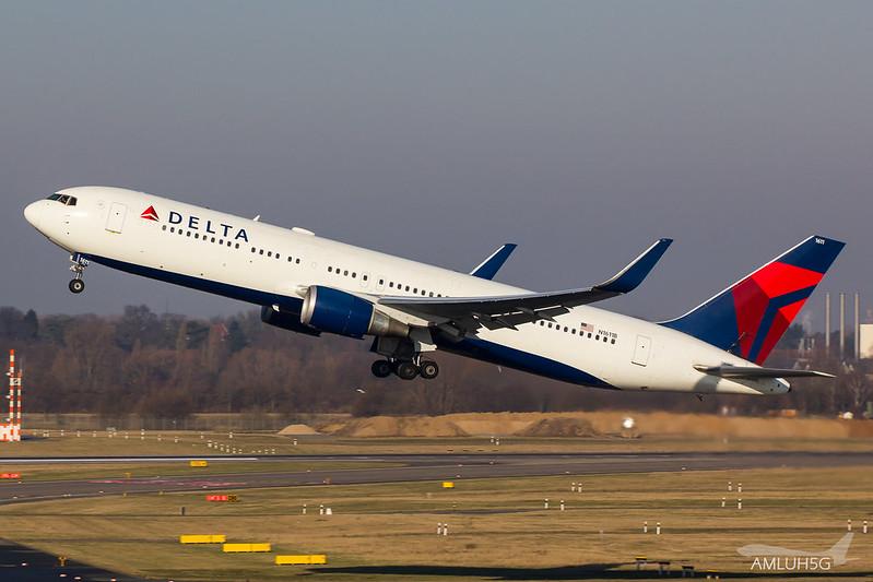 Delta Air Lines - B763 - N1611B (1)