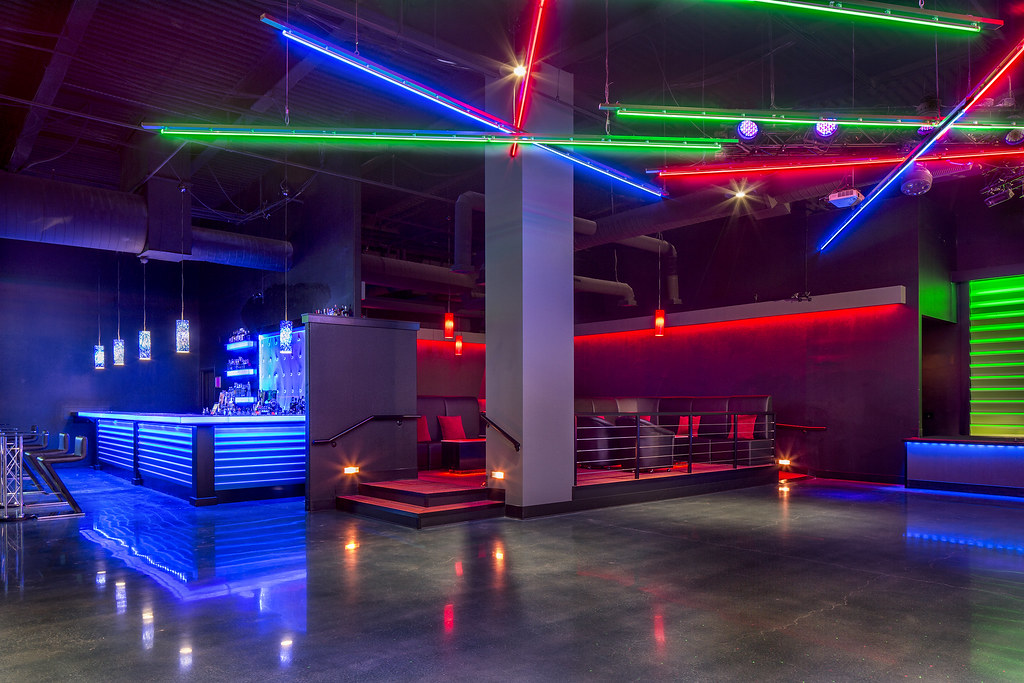 Shadeh nightclub design custom lighting design by i 5 design manufacture