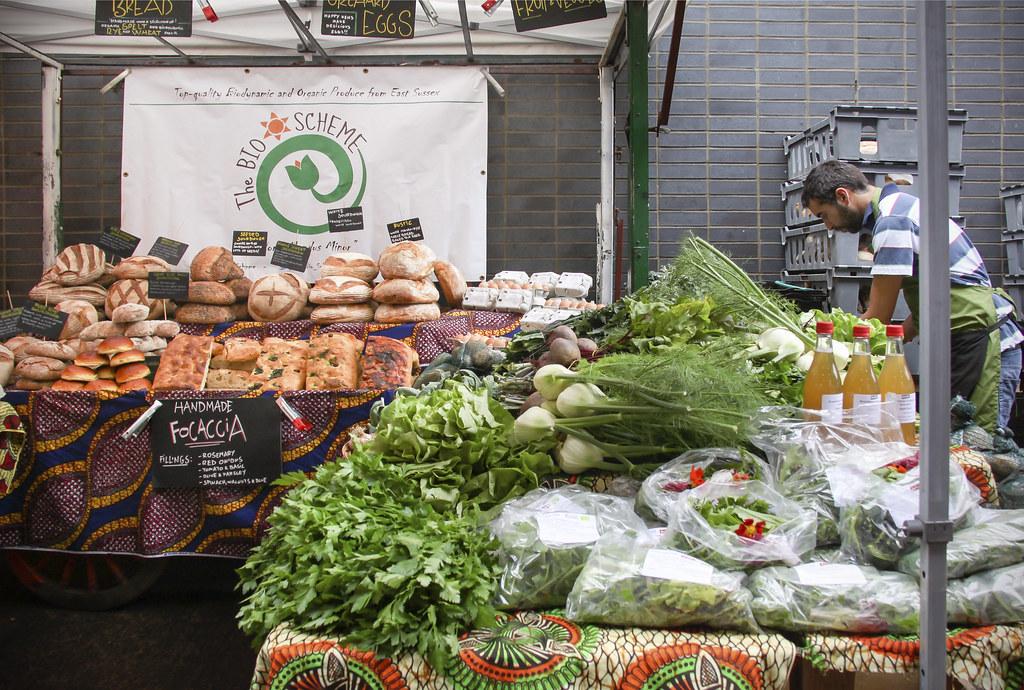 The best street food destinations near Victoria railway station