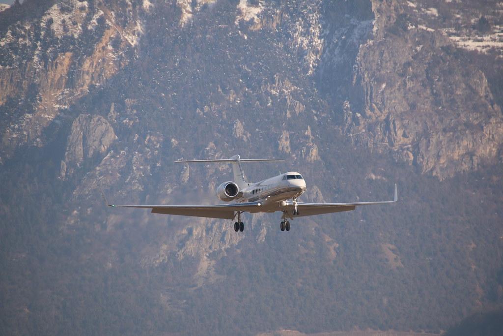 Aéroport - base aérienne de Sion (Suisse) 33078080445_08a49af6f5_b