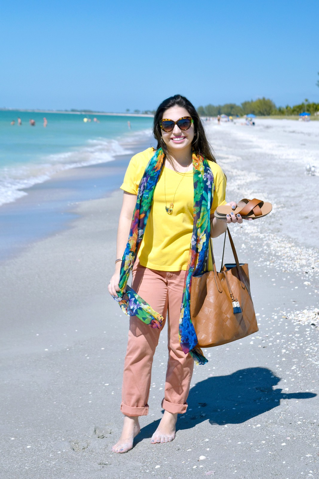 """mom shirt"" beach outfit"