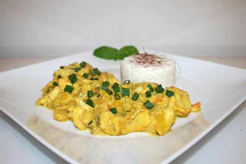 56 - Creamy fish fruit curry with leek & coconut milk - Side view / Cremiges Fisch-Früchtecurry mit Lauch & Kokosmilch - Seitenansicht
