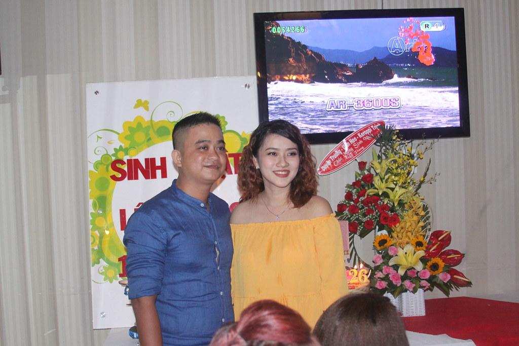 Tiệc mừng sinh nhật Lê Trang
