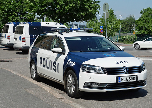 finnish police vw passat helsinki neil pulling flickr. Black Bedroom Furniture Sets. Home Design Ideas