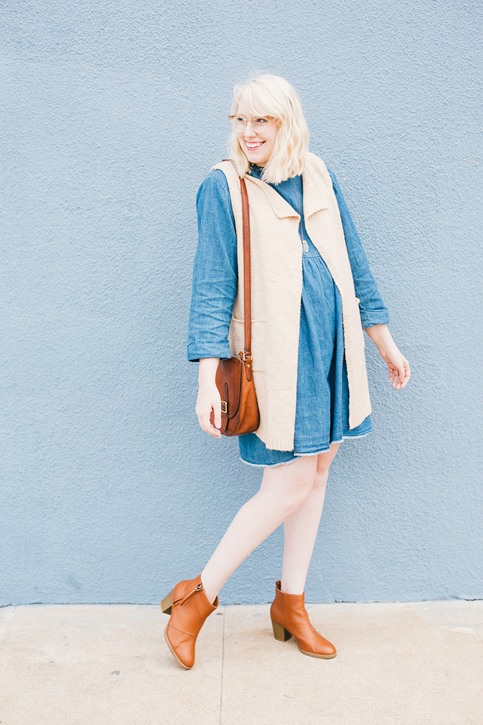 how to wear a denim dress4