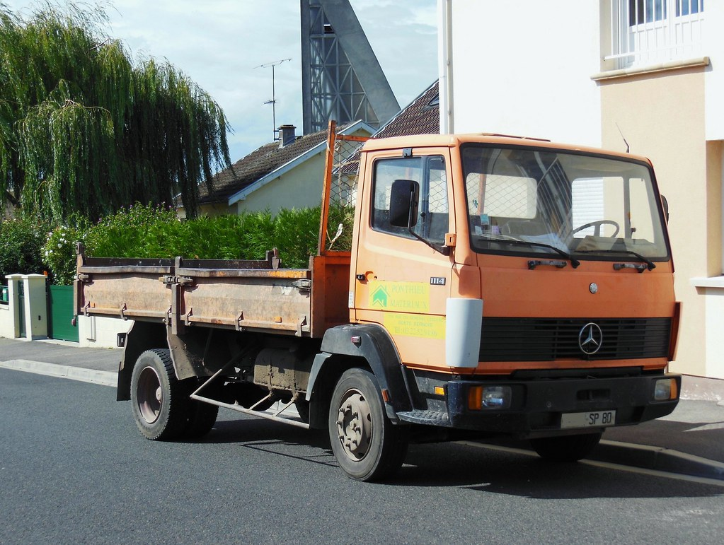 ... MERCEDES 1114 Benne (1988) | by xavnco2