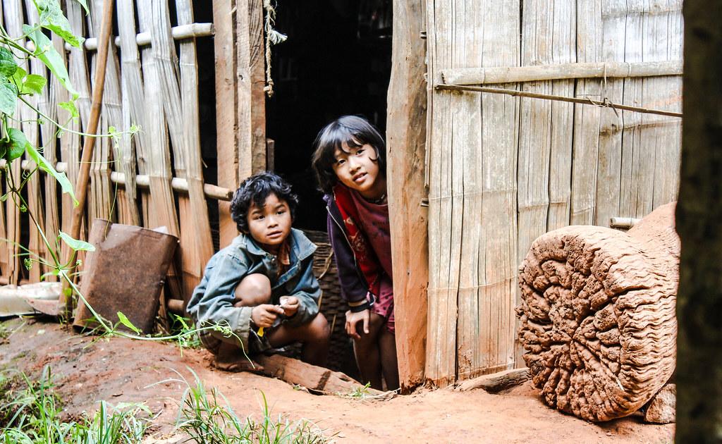 Burmese kids - Inle lake