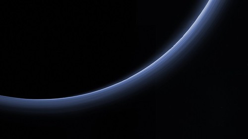 Pluto-similar-to-Earth