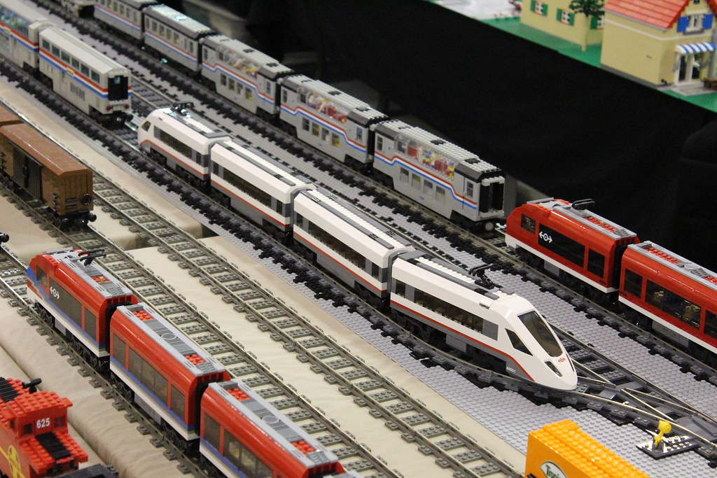 Lego 60051 High Speed Passenger Train The Train Sets Cons Flickr