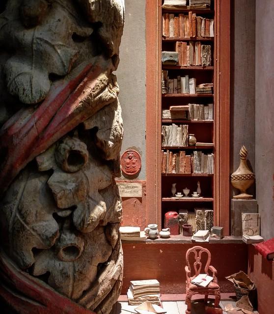 Peter Gabrielse, new box sculpture at  Eurantica - Fine Art Fair, at Artexis - Nekkerhal.