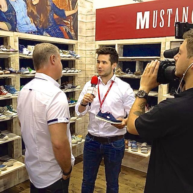 best loved 5ae2e d3dc7 schuhplus Schuhe in Übergrößen auf der GDS bei Mustang Sch ...