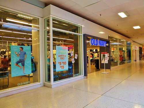 Lima Ohio Mall >> Old Navy Lima Mall | I am not sure why but these mall-based … | Flickr