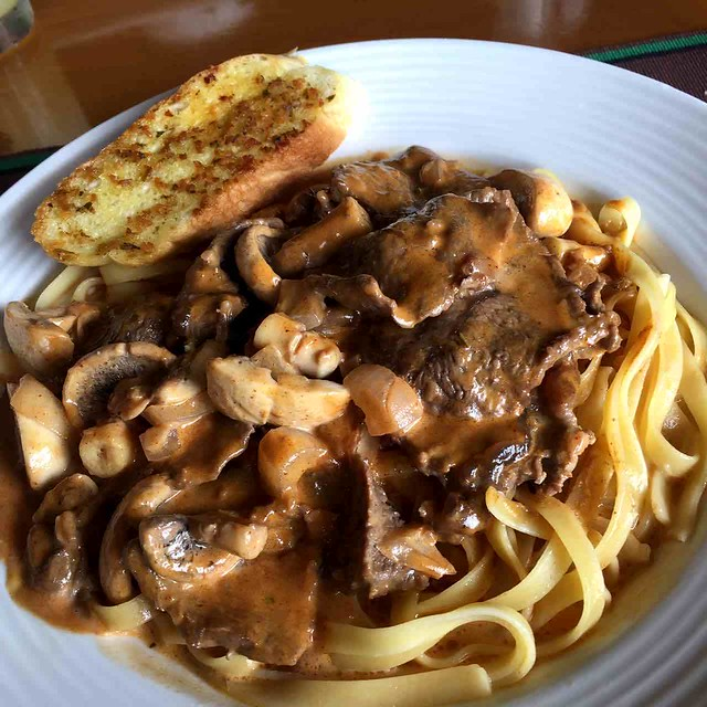 beef and mushroom ragout pasta