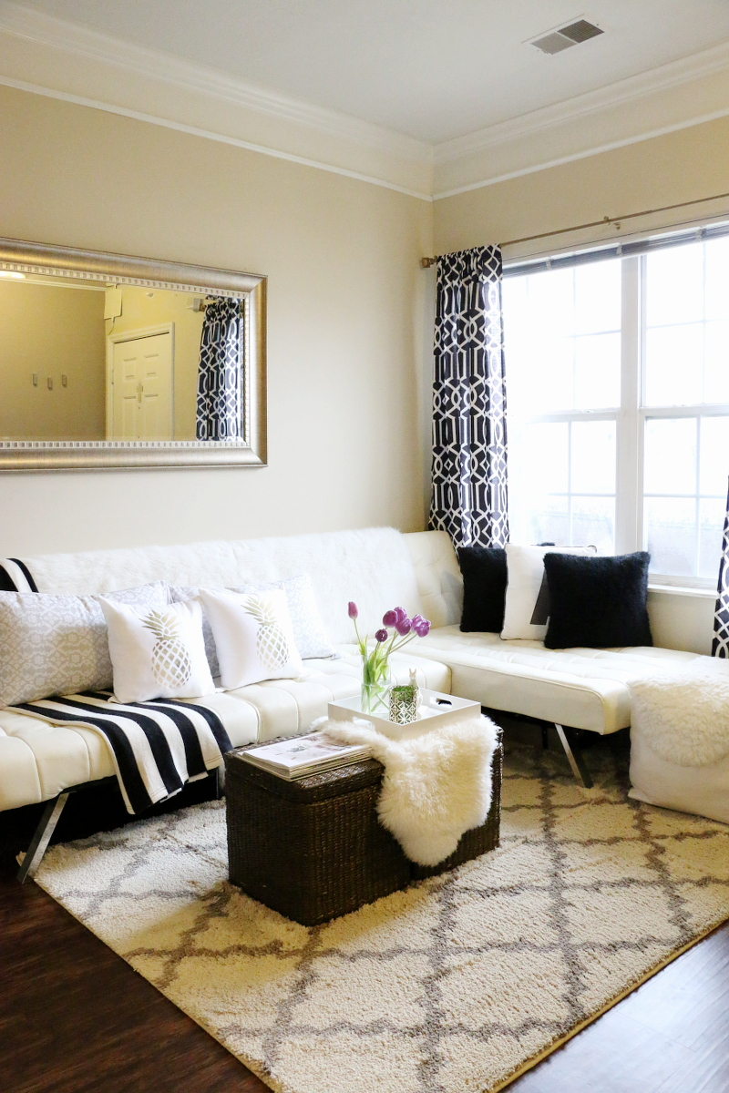 living-room-sectional-sofa-tulips-black-white-3
