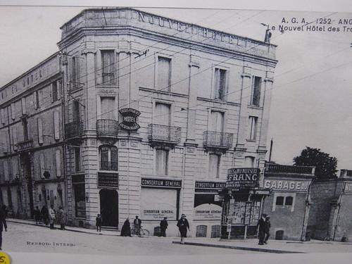 Hotel Des Trois Poubins Paris