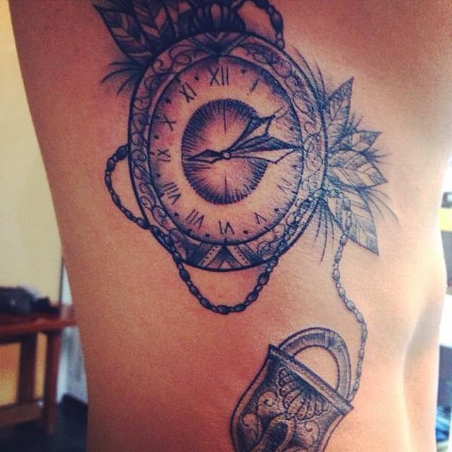 Renato Tatuajes relojbolsillo#renatotatuajes#candado#tattoo | renato tatuajes r&r