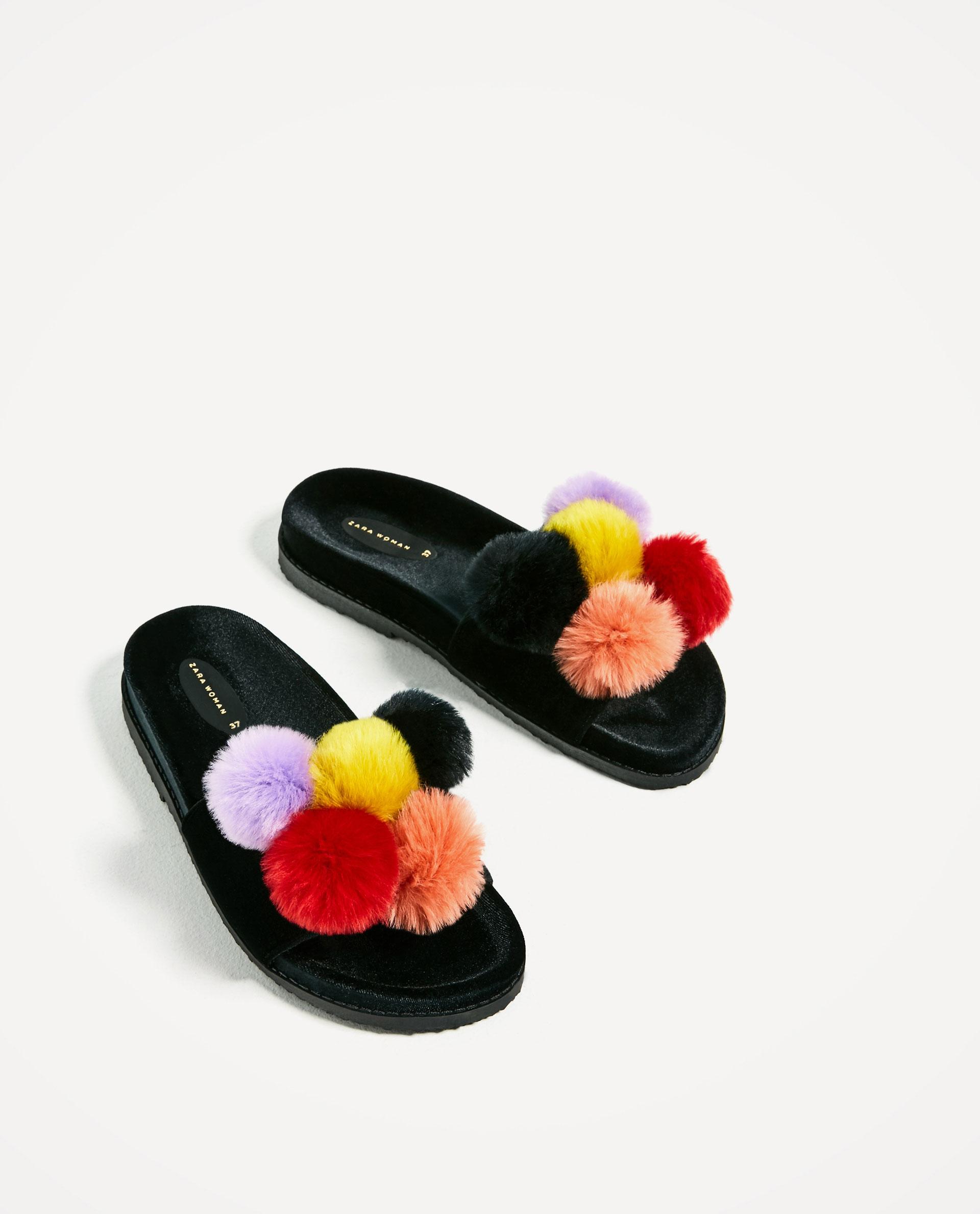 sandalias pompones Zara