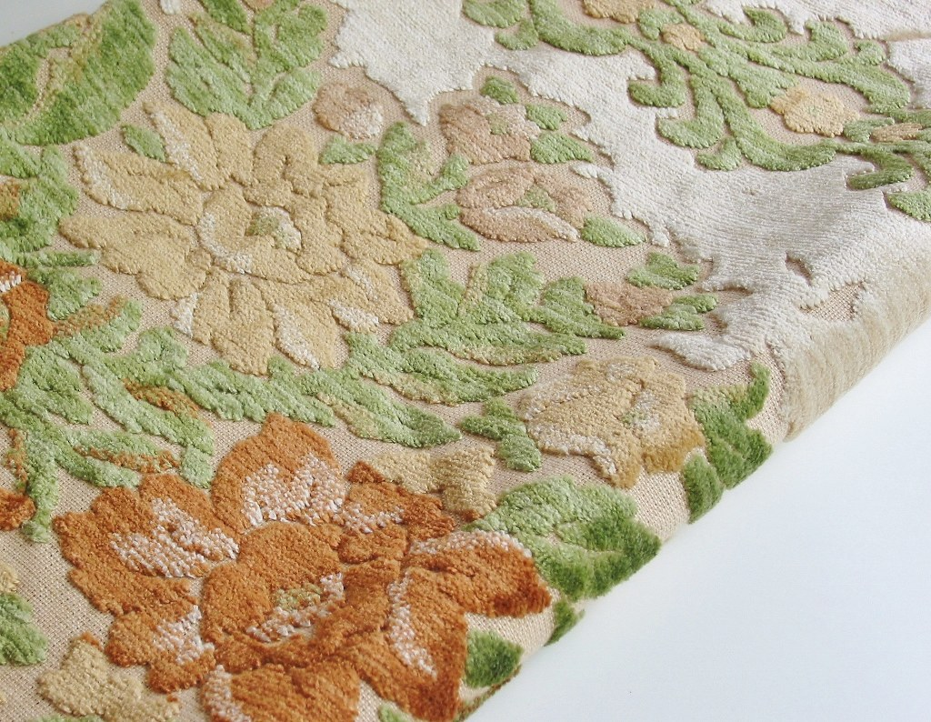 Vintage Cut Velvet Upholstery Fabric A Pretty Vintage Flor Flickr