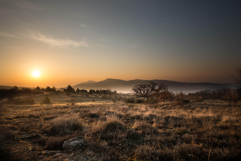 Un lever de soleil sur la Provence - Page 2 33350156641_5c4a7ece5d_o