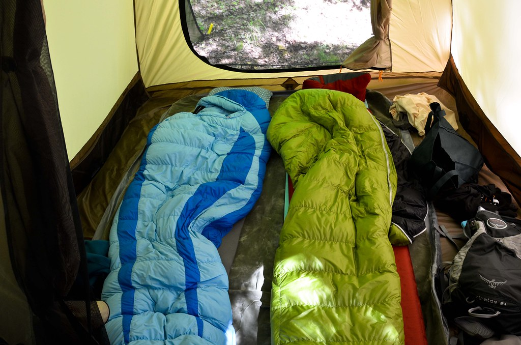 ... Sleeping Quarters in LL Bean King Pine 4 Tent | by osiristhe & Sleeping Quarters in LL Bean King Pine 4 Tent | You can fit u2026 | Flickr