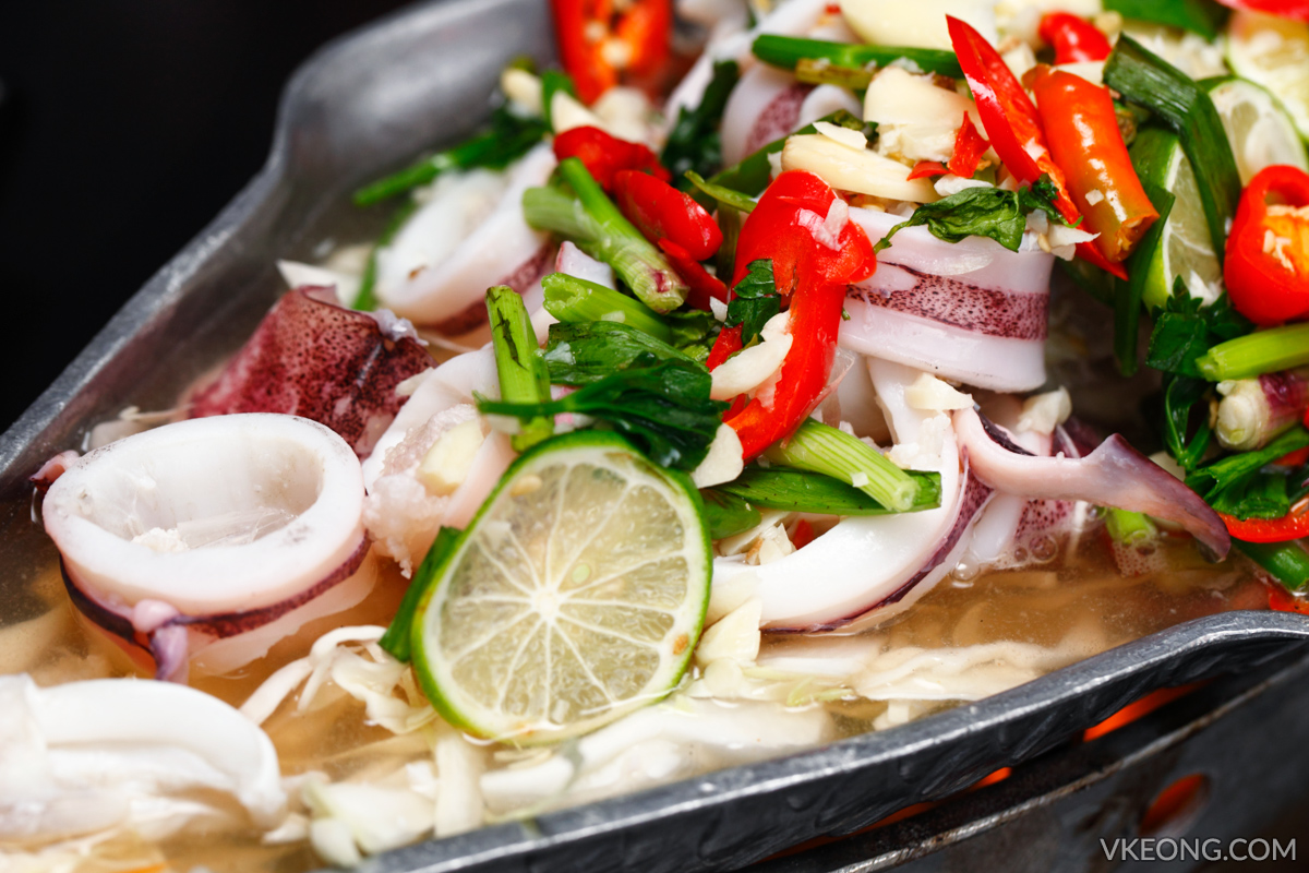 Steamed Squid with Garlic and Lime