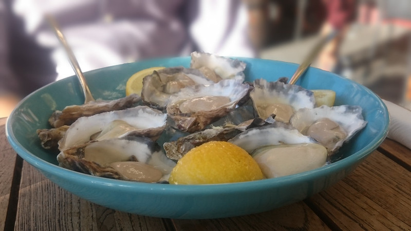 Queens Hotel $2 Oysters