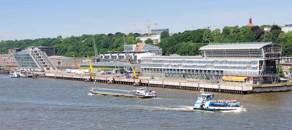 5187 Blick Auf Das Kreuzfahrtterminal Hamburg Altona Bür Flickr