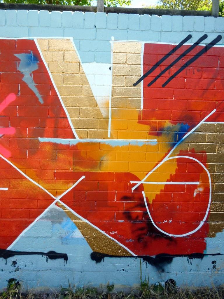 Graffiti wall cairns -  Ed Bats Masterclass In Street Art On The Abs Wall 2014 02 15