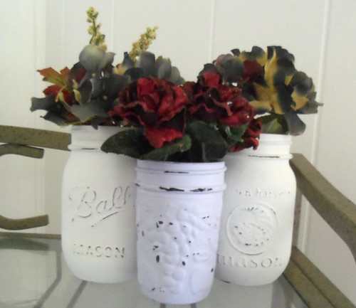 Distressed Mason Jar Vases | by sunshinedaydreamz