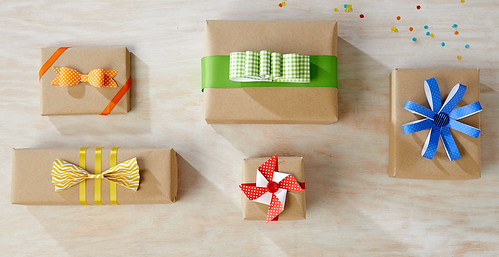 DIY Birthday Bows | by Berries.com