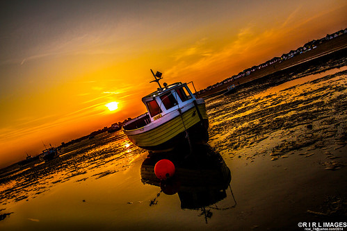 "The Sunset in Shoeburyness | ""The Golden Hour Photography"" T… 