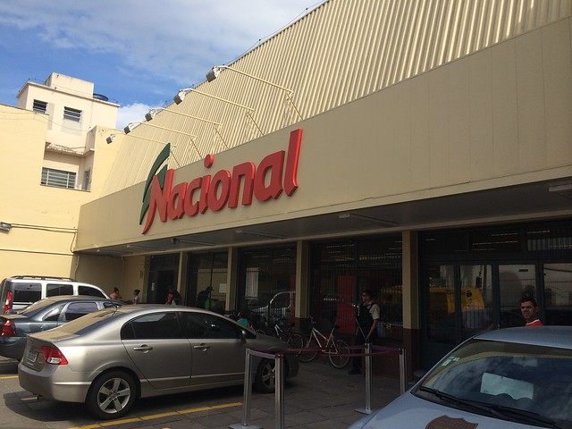 CRISE ou REESTRUTURAÇÃO? Wal-Mart fecha lojas do Nacional e entra em processo de extinção da marca BIG