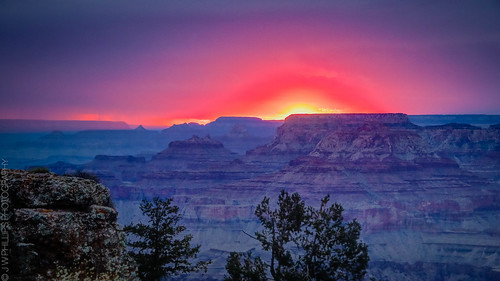 Sunset at Navajo Point | by J*Phillips