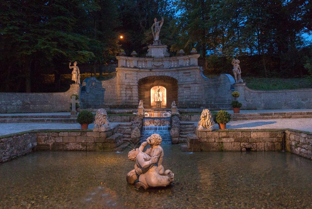 Salzburg-Schloss-Hellbrunn-Magic-Fountains-4