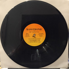 THE UNKNOWN D.J.:BASSTRONIC(RECORD SIDE-A)