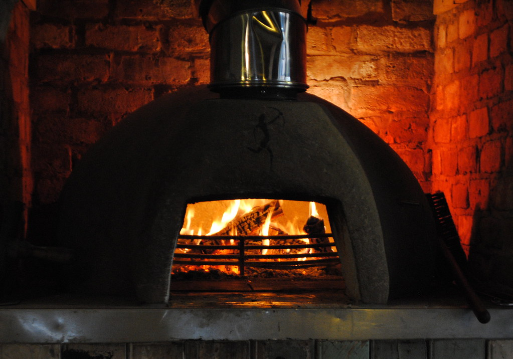 wood fired pizza oven by clintbudd