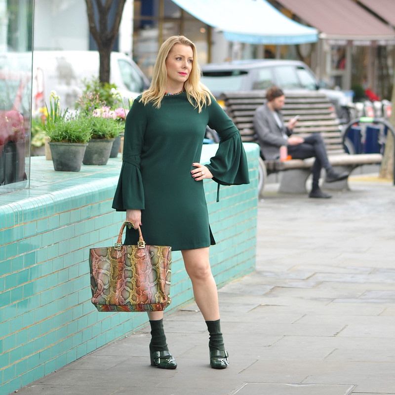 Over 40 fashion blogger Lisa (The Sequinist) in Finery London SS17