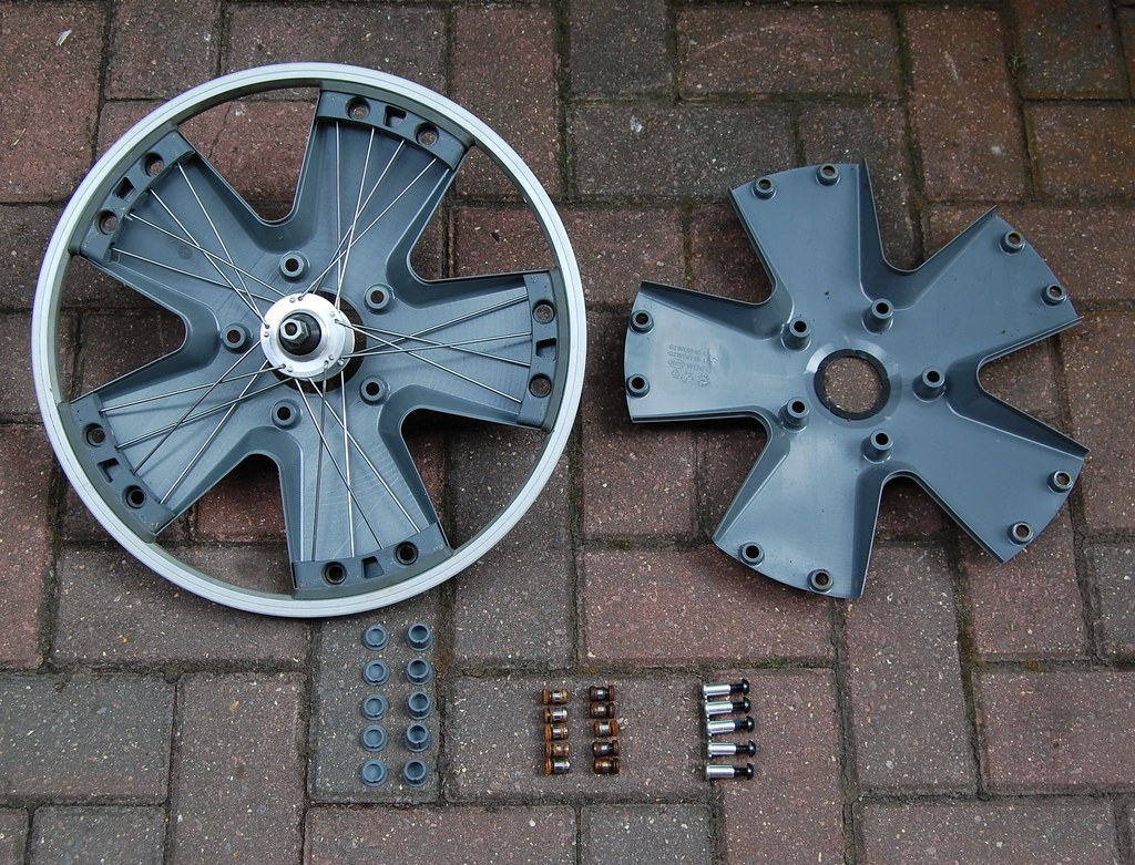 Anatomy Of A Giant Revive Wheel Sirpecangum Flickr