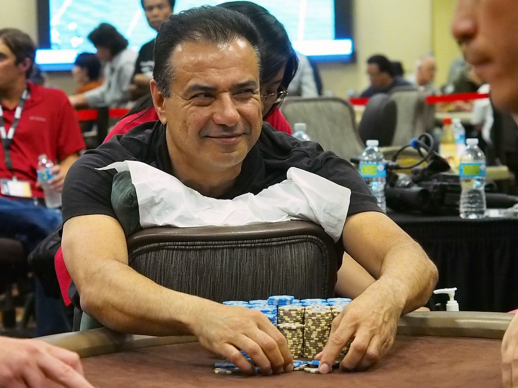 Massoud eskandari poker player define manque