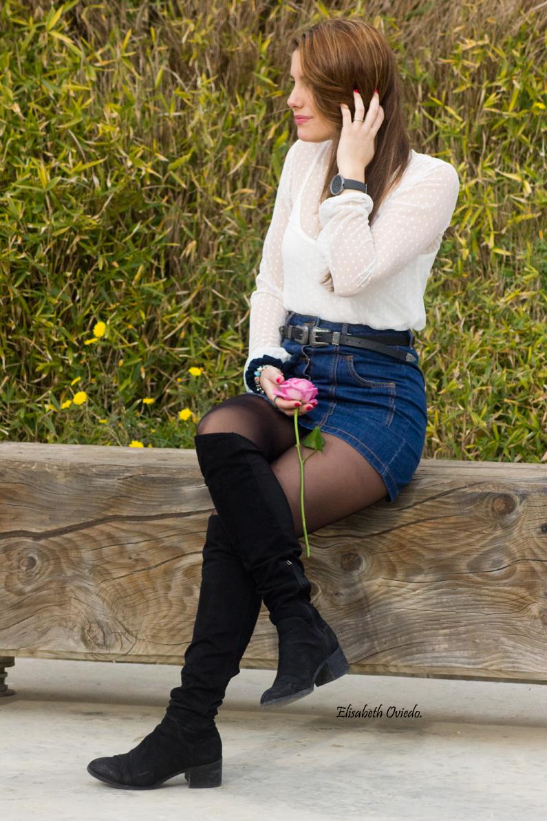 falda midi vaquera abrigo rosa zara heelsandroses botas negras stradivarius (6)
